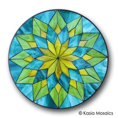 Glass Mosaic Mandala by Kasia Mosaics Visit to purchase a template/substrate kit or to sing up for an Online Class Stained Glass Tattoo, Stained Glass Quilt, Stained Glass Designs, Stained Glass Projects, Stained Glass Patterns, Mosaic Patterns, Stained Glass Windows, Window Glass, Doodle Patterns