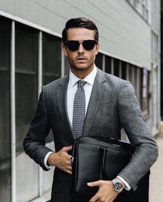 Grey suit and white shirt. Formal & elegant. #Elegance #Fashion #Menfashion #Menstyle #Luxury #Dapper #Class #Sartorial #Style #Lookcool #Trendy #Bespoke #Dandy #Classy #Awesome #Amazing #Tailoring #Stylishmen #Gentlemanstyle #Gent #Outfit #TimelessElegance #Charming #Apparel #Clothing #Elegant #Instafashion