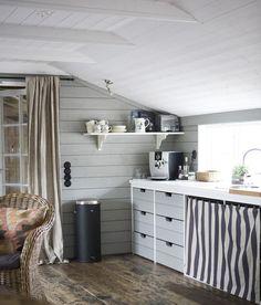 low ceiling (via Sköna hem) - my ideal home...
