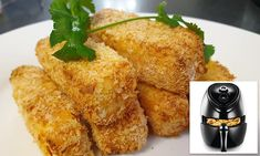 Australians make homemade halloumi fries in Kmart air fryers with four ingredients in 10 minutes Halloumi Chips, Fried Halloumi, How To Make Halloumi, Mcdonalds Chips, Fried Chips, Cheese Fries, Air Fryer Recipes, Daily Mail, Finger Foods