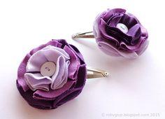 Coppia di mollette per capelli con fiori di tessuto in tre sfumature di lilla e viola. Accessori capelli estate. Idea regalo sorelle gemelle - by RobyGiup