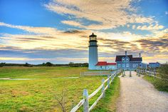 cape cod lighthouse (by tommyvon)