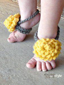 Spring Flower barefoot baby sandals Free Crochet Pattern