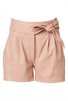 See this and similar Witchery shorts - Buttery soft and tailored to a tee, our Tie Waisted Leather Short is your summer leather solution. Fashioned in our premi. Tie Waist Shorts, Tie Dye Shorts, Tailored Shorts, Casual Shorts, Formal Dresses For Women, Short Dresses, Athletic Body Types, Apple Shape Outfits, Apple Body Shapes