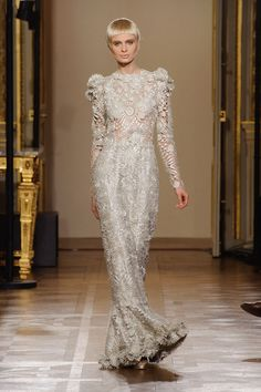 Oscar Carvallo Spring 2013 Couture