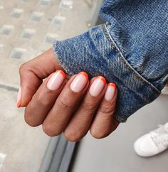 From French tips to earthy gradient these are the chicest nail-art designs to wear with fall s trendiest nail-polish shade nailart falltrends fallnails fallnailart orangenails manicure fallmanicure glitternails naildesigns beauty Colored French Nails, French Tip Nails, French Tips, Neon French Manicure, Nail Tip Designs, Nail Polish Designs, Art Designs, Nail Art Orange, Orange Nails