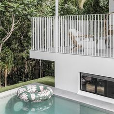 Designed with styling in mind 🍃 📷 @the.palm.co @noabythebeach Beach Houses For Rent, Pool Floats, Perfect Place, Beautiful Homes, Swimming Pools, Vacation, House Styles, Sunday, Outdoor Decor