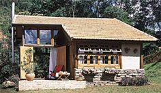 Esta romântica cabana de 69 m², em Campos do Jordão, São Paulo, possui so...