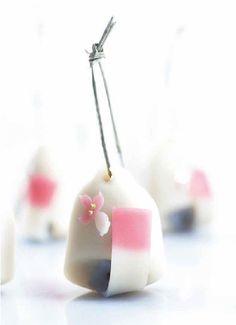 """世界に和菓子の美しさを‥""""72の季節""""を閉じ込めた和菓子本『IKKOAN』が美しすぎる"""