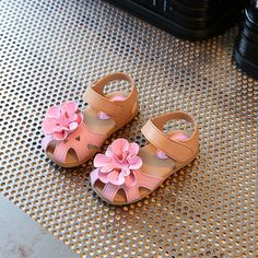 AFDSWG spring and autumn fashion white flowers PVC pink boys beach shoes female sandals shoes kids beach shoes-Touchy Toddler Girl Shoes, Kid Shoes, Kids Fashion, Autumn Fashion, Fashion Blogs, Old Fashioned Boy Names, Cute Casual Shoes, Colourful Outfits, Colorful Clothes