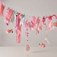 DIY garland inspiration: Flamingo Party Garland - by Vanessa Lewis