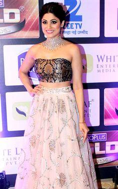 Shamita Shetty at Gold Awards 2016. #Bollywood #Fashion #Style #Beauty #Hot #Sexy