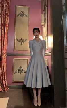 Discover recipes, home ideas, style inspiration and other ideas to try. Luna Fashion, Blackpink Fashion, Korean Fashion, Fashion Dresses, Fashion Design, Nancy Drew Costume, Classy Outfits, Cute Outfits, Iconic Dresses