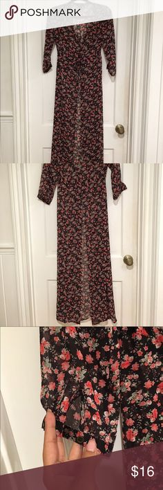 Sheer button up dress/kimono I wear this as a coverup or even with a simple black dress and booties. Has buttons going 3/4 of the way down along with a tie around the waist. Forever 21 Dresses Maxi
