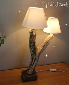 lampe bois flotté en forme de Y