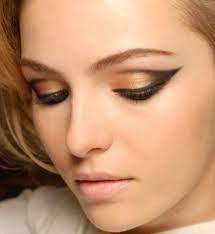 Resultado de imagen para maquillaje para verse mas joven y delgada