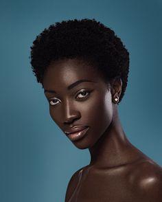 chocolate girl 25 Sexy Hairstyles For Black Girls Black Girl Photo, Black Girl Fashion, Beautiful Dark Skinned Women, Beautiful Black Women, Beautiful People, Hair Afro, Arte Black, Sexy Ebony Girls, Ebony Women