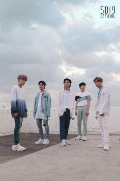 Korean Entertainment Companies, Pop Group, Coat, Tin, Polaroid, Babies, Fashion, Moda, Sewing Coat