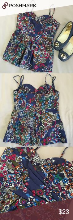 Fei bohemian halter top Excellent condition. Ruffled chest, two pockets, zippered back. Thanks‼️🍾 fei Tops Tank Tops