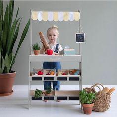 """Mamabook.cz on Instagram: """"Stánek se zeleninou s kterým si vyhraje každý malý obchodník je další z novinek od značky little dutch  #detstvi #childhood…"""" Childrens Room Decor, Kids Decor, Wooden Crates, Wooden Toys, Market Stands, Play Shop, Fabric Canopy, Large Furniture, Bonito"""
