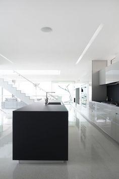 Dan Brunn has designed the Flip Flop House, a beach front home in Venice, California