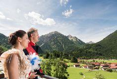 Königlicher Besuch genießt den Blick von unseren Balkonen in die Allgäuer Alpen.