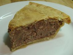 Tourtiere (French Canadian Meat Pie): My recipe is in my mother's head but this looks pretty close. So excited to eat this on Christmas Eve! French Canadian Meat Pie Recipe, French Meat Pie, Canadian Food, Canadian Dishes, Canadian Recipes, Canadian Things, Pie Recipes, Cooking Recipes, Recipies