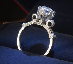 Size 4-10 Unique Desgin Luxury Jewelry 925 sterling silver Solitaire Topaz Simulated Dianmond Wedding Crown Party Ring For Women www.bernysjewels.com #bernysjewels #jewels #jewelry #nice #bags