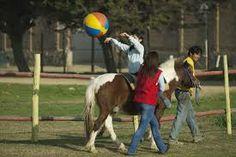 A montar a cavalo é sempre mais engraçado!