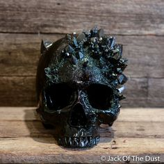 Obsidian Dragon Glass Skull is traditionally hand sculpted by lead artist Andrew Firth at Jack of the Dust in Australia. Hand painted to Hallowen Ideas, Halloween Decorations, Dragon Glass, Goth Home, Skull Painting, Skull Decor, Gothic Home Decor, Gothic House, Crystal Skull