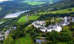 Groupon - Eifel: 2 bis 4 Tage für Zwei im historischen Schlosshotel Burghaus Kronenburg mit Panorama-Aussen-Pool ab 99 € in Dahlem. Groupon Angebotspreis: 99€