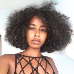 - TAHIRA BROWN (@tahirabrown) curly hair. Frizzy hair. Natural hair. Frizzy curls. Curly frizz. Big hair.