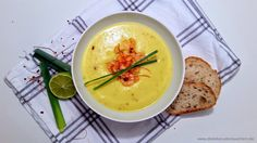 Curry-Mango-Suppe mit Shrimps