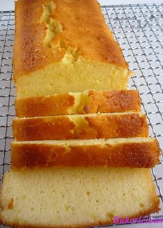 Bakericious: Lemon Yogurt Cake
