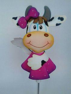 Fofulapiz pelanas vaquita Foam Crafts, Diy And Crafts, Pencil Toppers, Corpus Christi, Logo Inspiration, Hello Kitty, Minnie Mouse, Sculpture, Creative