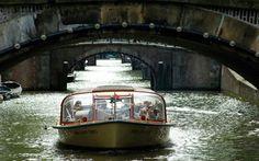 Paseo en barco por los canales de Amsterdam.