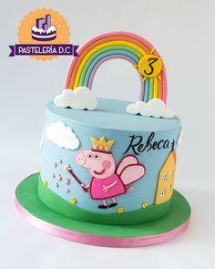 Peppa Pig Birthday Decorations, Mini Mouse Birthday Cake, Birthday Cakes Girls Kids, Peppa Pig Birthday Cake, Birthday Cake Toppers, Tortas Peppa Pig, Personalised Cakes, Vanilla Mug Cakes, Baby Girl Cakes