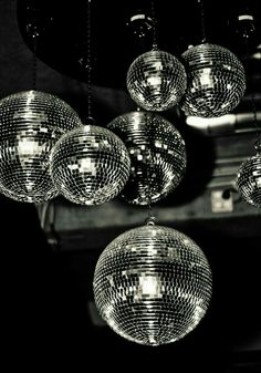 disco balls reminds us of a magical dries van noten show we went to Gray Aesthetic, Black Aesthetic Wallpaper, Black And White Aesthetic, Aesthetic Wallpapers, Black And White Picture Wall, Black And White Pictures, Bedroom Wall Collage, Photo Wall Collage, Deco Nouvel An