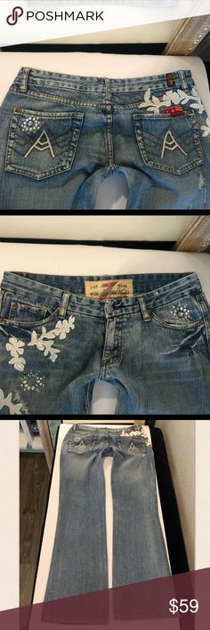 """7 for all Mankind A Pocket jeans size 31 rare🌺 A rather fun and not so common pair of 7 for all Mankind jeans New W/out tags 👖lots of detail and appliqué with bling👖style:a pocket👖size:31👖inseam: 33.5""""👖100% cotton 👖 7 For All Mankind Jeans"""