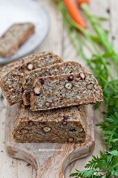 Bread with seeds themselves, without flour, without yeast, sourdough or fillers. Simple and quick to prepare. Healthy Deserts, Healthy Recipes, Amish Bread, Home Bakery, Vegan Bread, Polish Recipes, Daily Bread, Food For Thought, Sweet Tooth