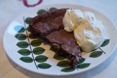 Bake like a man: Whisky Chocolate Brownie Cake   www.whiskycigar.com