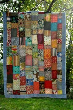 ♥cool patchwork♥ Call Me Crazy, but My Favorites are Still the Old Patchwork Quilts & the Colourful CRAZY Quilts. But I Really Like This Patchwork.It's the Bomb.I love these colors Crazy Quilting, Patchwork Quilting, Scrappy Quilts, Patchwork Ideas, Crazy Patchwork, Patchwork Patterns, Patchwork Bags, Quilting Projects, Sewing Projects