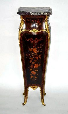 French Louis XV style marble top pedestal, parquetry and marquetry inlaid with fine bronze ormulu mounts and floral decor, possibly Francois Linke.