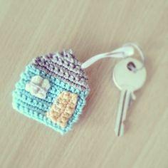 Mi casa es su casa / gehäkelter Schlüsselanhänger, Haus / crochet keychain house