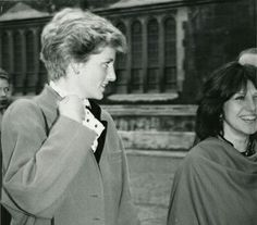 November 29, 1986: Princess Diana was a surprise guest at her brother's, Charles' (Viscount Althorp, 9th Earl Spencer)graduate from Oxford University. - Google zoeken