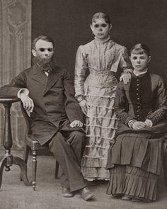 Vintage Halloween Photos, Victorian Halloween, Halloween Pictures, Scary Photos, Creepy Pictures, Scary Art, Very Scary, Most Scary Picture, Creepy Halloween