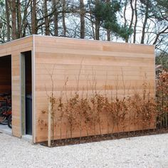 Met onze jarenlange ervaring ontwerpen wij uw gedroomd tuinhuis in de stijl die u wenst: klassiek, modern, design… maar vooral tijdloos!
