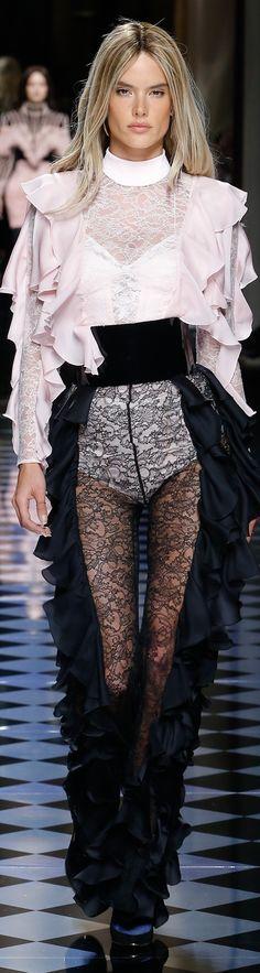 d5a31e56 440 Best BALMAIN ♚ images | Fashion Show, Woman fashion, Cute outfits