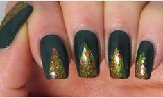 Happy Belated New Year – GreenVirals Style Dark Green Nail Polish, Dark Green Nails, Red And Gold Nails, Green Nail Art, Metallic Nails, Acrylic Nails, Green Nail Designs, Holiday Nail Designs, Colorful Nail Designs