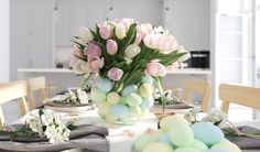 bunch of tulips in a nordic style apartment. rendering - Buy this stock illustration and explore similar illustrations at Adobe Stock Tulpen Arrangements, Spring Design, Nordic Style, 3d Rendering, Royalty Free Images, Bunt, Interior Architecture, Tulips, Living Room Decor